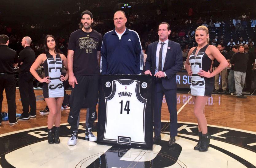 Oscar foi homenageado pelo Brooklyn Nets na última segunda-feira