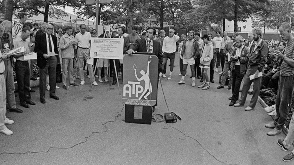 Hamilton Jordan, presidente da ATP em 1988, anuncia que os jogadores assumiriam a partir de então maior controle sobre o esporte